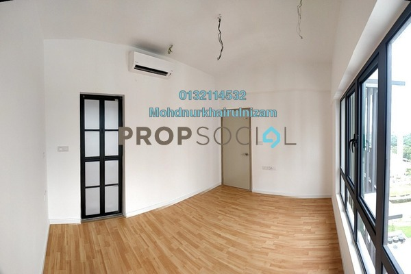 For Sale Serviced Residence at Suria Residence, Bukit Jelutong Freehold Semi Furnished 2R/1B 550k