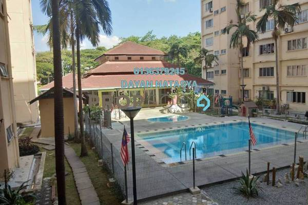 For Sale Condominium at Kenaria Condominium, Kajang Freehold Semi Furnished 3R/2B 250k