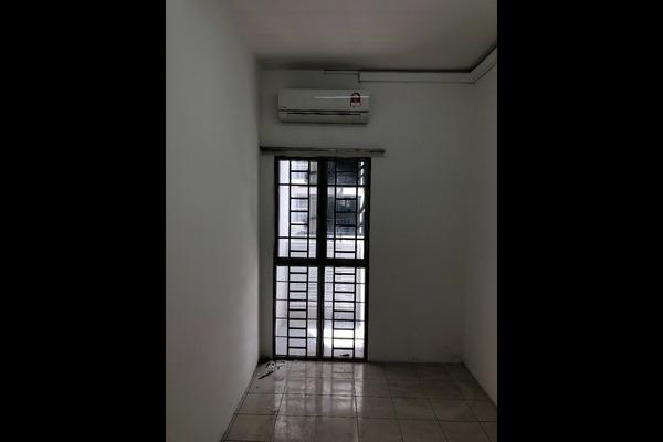 For Sale Condominium at Residensi Laguna, Bandar Sunway Freehold Semi Furnished 3R/2B 370k