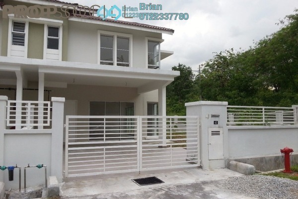 For Sale Terrace at Taman Dato Demang, Bandar Putra Permai Freehold Unfurnished 4R/3B 860k