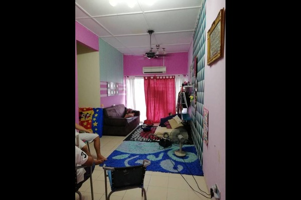For Sale Apartment at Taman Pinggiran Batu Caves, Batu Caves Freehold Semi Furnished 3R/2B 220k