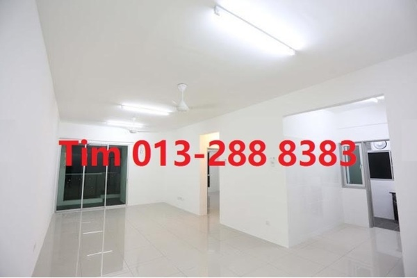 For Sale Condominium at Silk Residence, Bandar Tun Hussein Onn Freehold Semi Furnished 3R/2B 398k