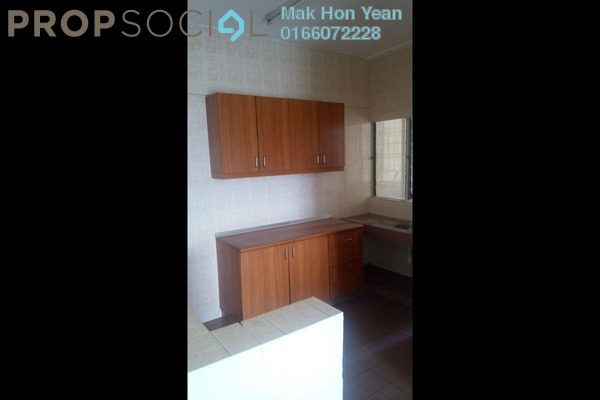 For Sale Apartment at Desaria Villa, Puchong Freehold Semi Furnished 4R/2B 280k