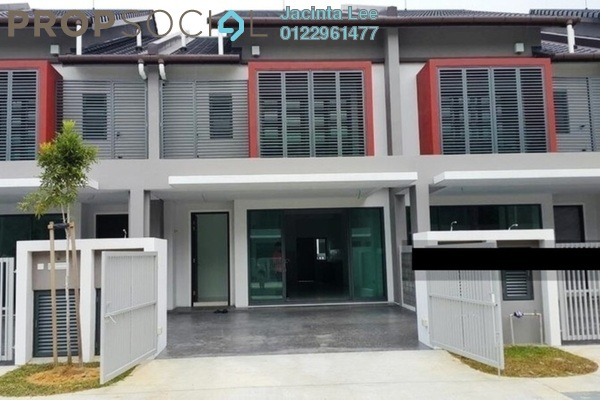 For Sale Terrace at Nahara, Bandar Bukit Raja Freehold Semi Furnished 4R/3B 510k