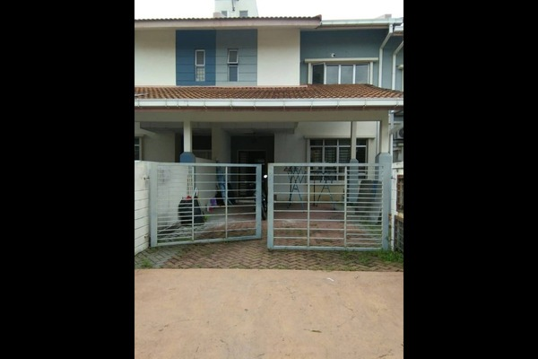 For Rent Terrace at Suria 618, Shah Alam Freehold Unfurnished 4R/3B 1.6k