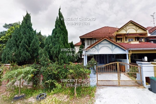 For Sale Terrace at Taman Bukit Tiram, Ulu Tiram Freehold Semi Furnished 4R/3B 580k