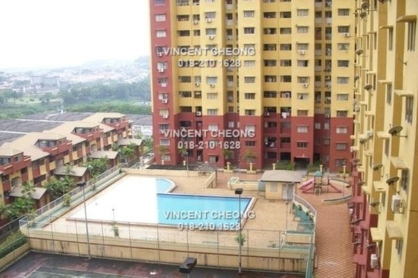 For Sale Condominium at Winner Heights, Desa Petaling Freehold Semi Furnished 3R/2B 265k