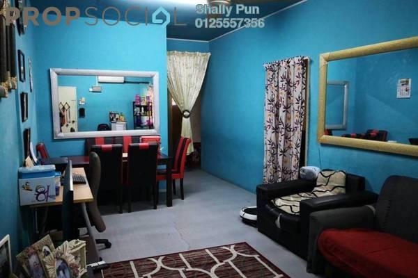 For Sale Apartment at Puchong Utama Court 2, Bandar Puchong Utama Freehold Semi Furnished 3R/2B 240k