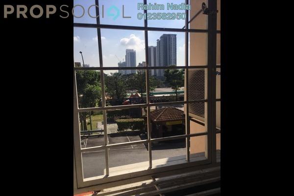 For Sale Apartment at D'Shire Villa, Kota Damansara Freehold Semi Furnished 3R/2B 420k