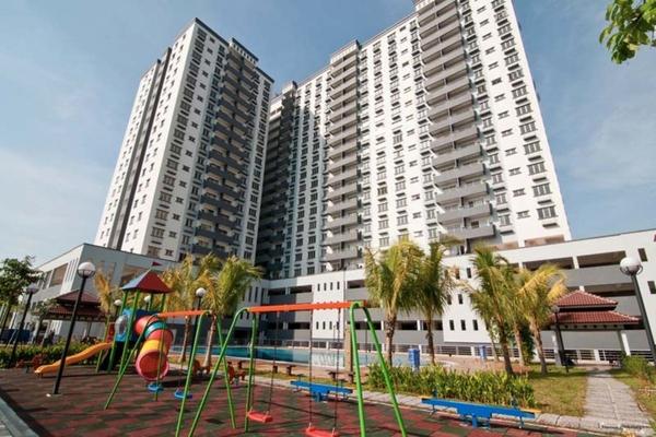 For Sale Condominium at Kinrara Mas, Bukit Jalil Freehold Unfurnished 3R/2B 420k
