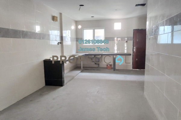 For Sale Terrace at Nafiri, Bandar Bukit Raja Freehold Semi Furnished 4R/3B 590k