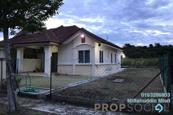 For Sale Semi-Detached at Section 30, Shah Alam Freehold Semi Furnished 3R/2B 400k
