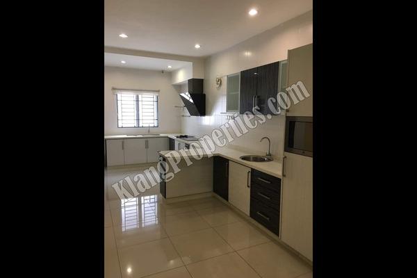 For Sale Terrace at Bandar Parklands, Klang Freehold Semi Furnished 4R/4B 795k