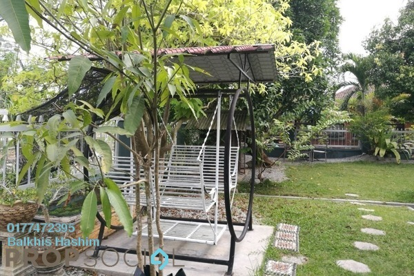 For Sale Bungalow at Taman Tasik Semenyih, Semenyih Freehold Semi Furnished 3R/2B 575k
