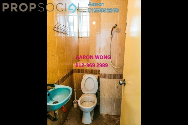 For Sale Condominium at Kepong Sentral Condominium, Sungai Buloh Freehold Semi Furnished 3R/2B 325k