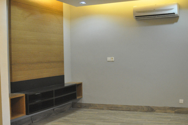 For Rent Terrace at Tropika, Bukit Jelutong Freehold Semi Furnished 6R/6B 3.8k