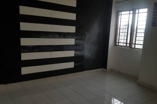 For Rent Condominium at Ampang Boulevard, Ampang Freehold Semi Furnished 3R/2B 2k
