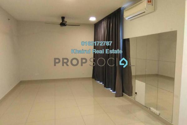 For Sale Condominium at Univ 360 Place, Seri Kembangan Freehold Semi Furnished 0R/1B 299k