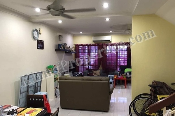 For Sale Terrace at Bandar Bukit Tinggi 2, Klang Freehold Semi Furnished 4R/4B 718k