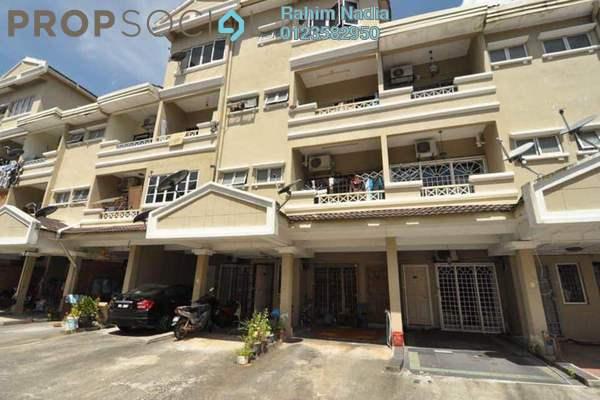 For Sale Townhouse at Sri Mahligai, Shah Alam Freehold Semi Furnished 4R/4B 520k