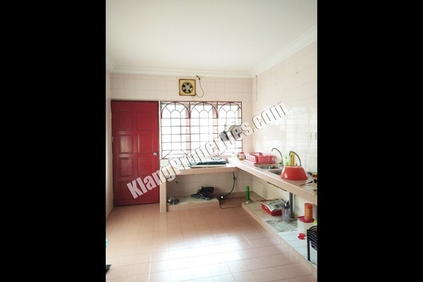 For Sale Terrace at Taman Sentosa, Klang Freehold Semi Furnished 4R/2B 278k