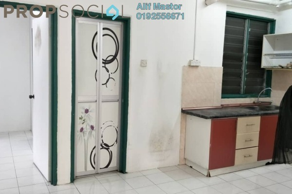 For Sale Apartment at Taman Pinggiran Putra, Bandar Putra Permai Freehold Semi Furnished 3R/2B 265k