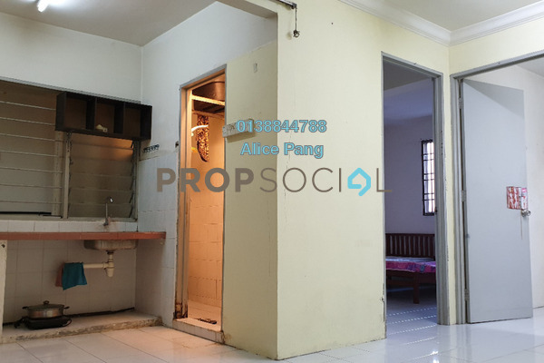 For Sale Condominium at Krystal Heights, Green Lane Freehold Unfurnished 2R/1B 205k