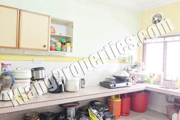 For Sale Terrace at Taman Bayu Perdana, Klang Freehold Semi Furnished 4R/3B 538k