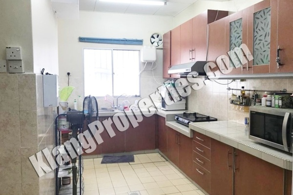 For Sale Terrace at Bandar Bukit Tinggi 2, Klang Freehold Semi Furnished 4R/3B 658k
