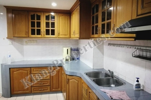 For Sale Condominium at Regensi, Klang Freehold Semi Furnished 3R/2B 399k