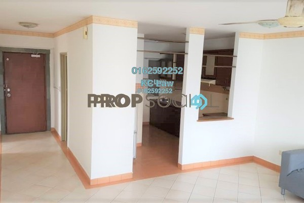For Sale Condominium at Perdana Exclusive, Damansara Perdana Freehold Semi Furnished 2R/2B 450k