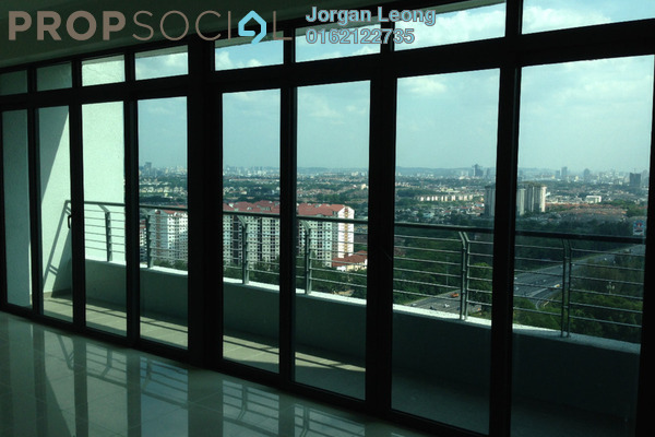For Sale Serviced Residence at Tropicana Avenue, Tropicana Leasehold Semi Furnished 3R/3B 1.38m
