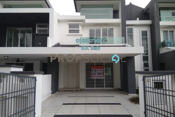 For Rent Superlink at Tiara East, Semenyih Freehold Semi Furnished 4R/3B 1.2k