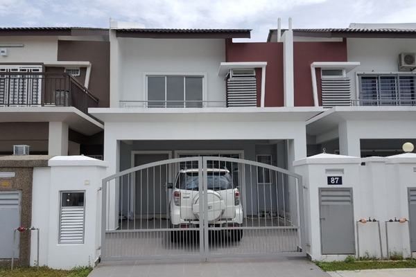 For Sale Terrace at S2 Heights, Seremban 2 Freehold Semi Furnished 4R/3B 580k