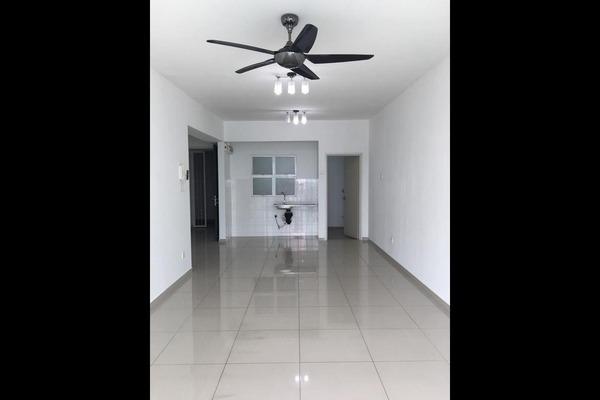For Rent Condominium at The Zest, Bandar Kinrara Freehold Semi Furnished 3R/2B 1.35k