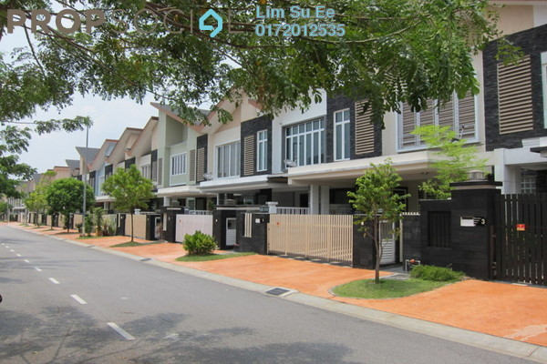 For Sale Superlink at Temasya Suria, Temasya Glenmarie Freehold Semi Furnished 4R/6B 1.8m