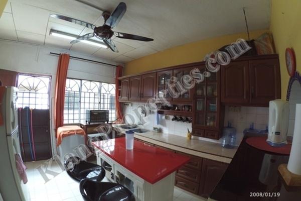 For Sale Terrace at Taman Teluk Pulai, Klang Freehold Semi Furnished 4R/2B 398k