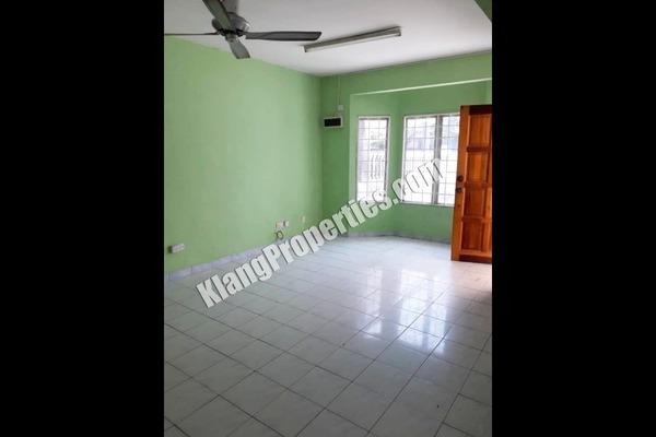 For Sale Terrace at Bandar Bukit Tinggi 1, Klang Freehold Unfurnished 3R/2B 500k