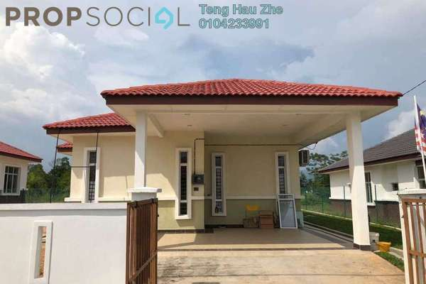 For Sale Bungalow at Mahkota Hills, Mantin Freehold Unfurnished 3R/2B 380k