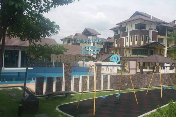 For Sale Townhouse at Lake Valley, Bandar Tun Hussein Onn Freehold Semi Furnished 4R/3B 500k