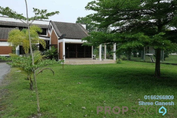 For Rent Bungalow at Section 6, Shah Alam Freehold Semi Furnished 4R/3B 2.7k