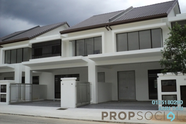 For Sale Terrace at Desa Budiman, Bandar Sungai Long Freehold Semi Furnished 4R/0B 594k