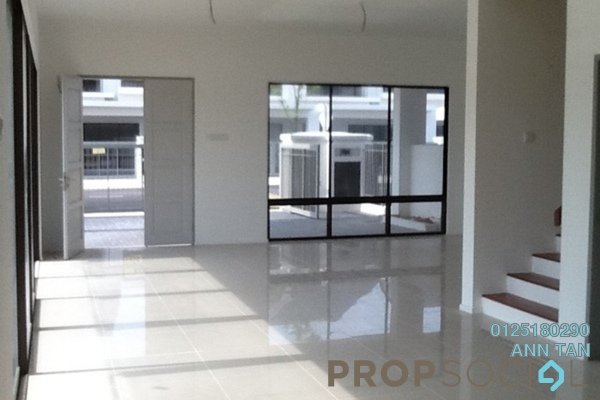 For Sale Terrace at Desa Budiman, Bandar Sungai Long Freehold Semi Furnished 4R/3B 617k