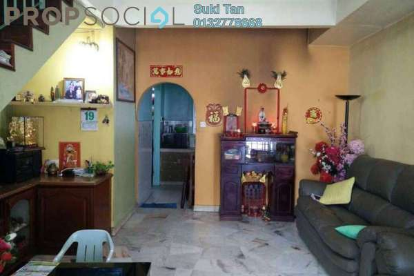 For Sale Terrace at Taman Bukit Desa, Kepong Freehold Semi Furnished 3R/2B 455k