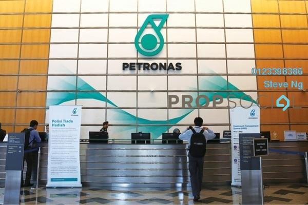 Petronas twintowers lobby gold 1ivzs4k2xhydeyvas1q1 small
