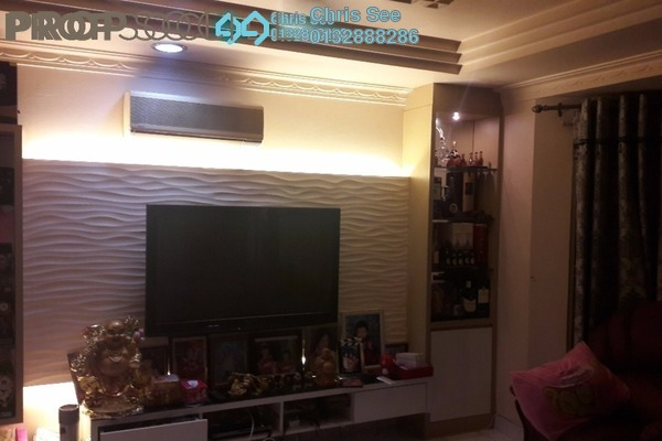For Sale Terrace at Taman Sri Putra, Sungai Buloh Freehold Semi Furnished 4R/3B 688k