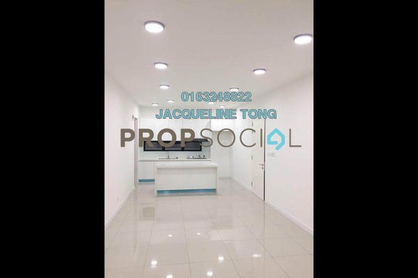 For Sale Condominium at Paragon 3, Bandar Putra Permai Freehold Semi Furnished 3R/3B 650k