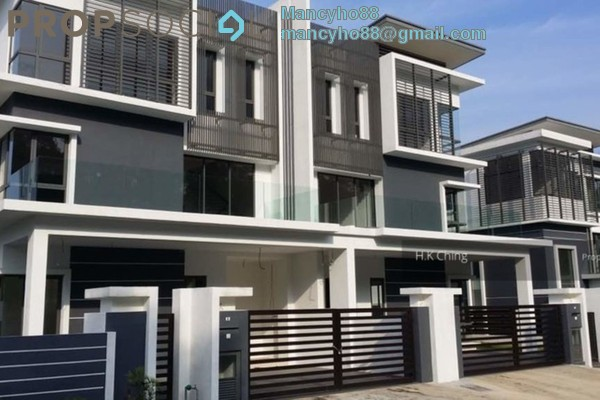 For Sale Semi-Detached at Taman Bukit Serdang, Seri Kembangan Freehold Semi Furnished 7R/7B 1.8m