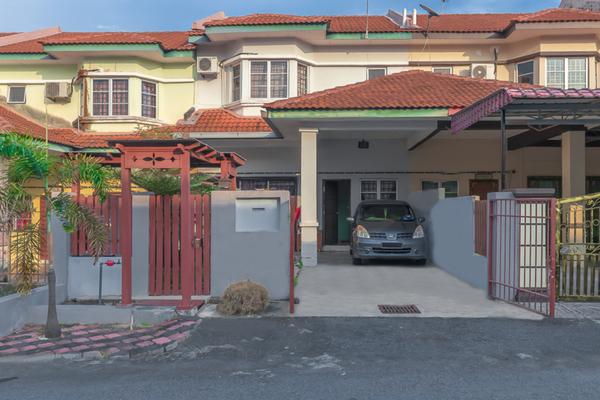For Sale Terrace at Taman Alamanda, Senawang Freehold Unfurnished 4R/3B 340k