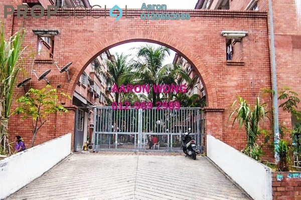 For Sale Apartment at Red Ruby Apartment, Seri Kembangan Freehold Semi Furnished 2R/2B 250k